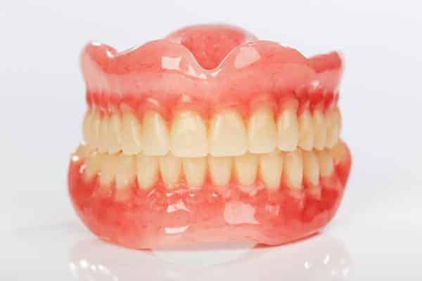 Dentus perfectus - potpune zubne proteze